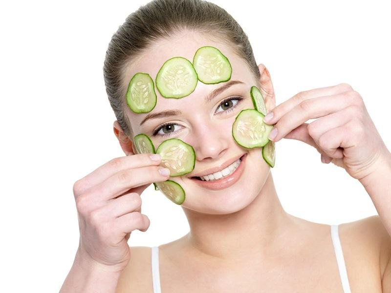 Mặt nạ dưa leo phù hợp với da dầu, da mụn, giúp se khít lỗ chân lông hiệu quả.