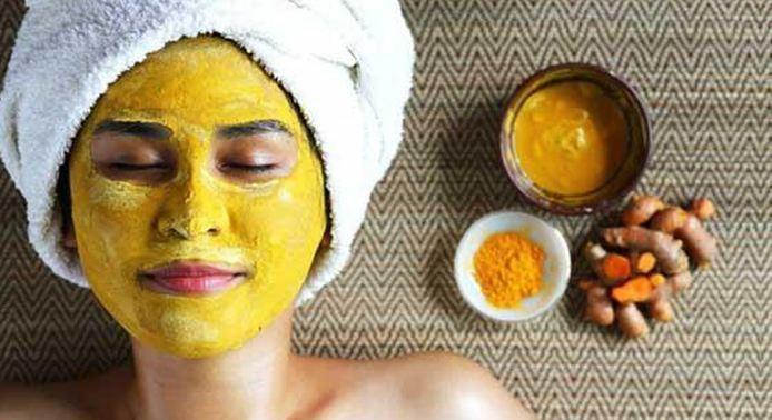 Cách trị nám da mặt bằng nghệ tươi đơn giản, hiệu quả.